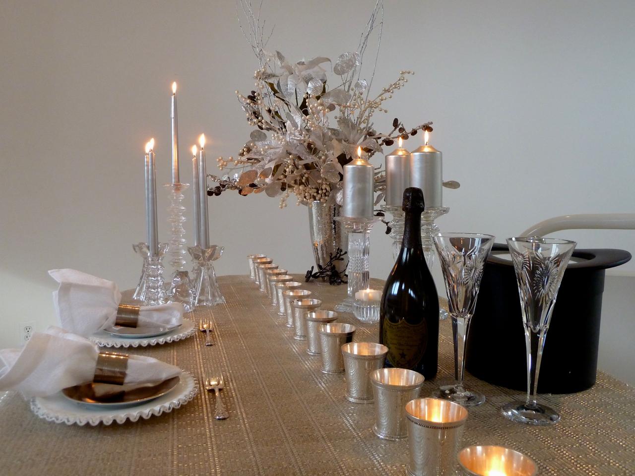 cindi_silver&white_tablesettings_spiritedtable-photo1.jpg