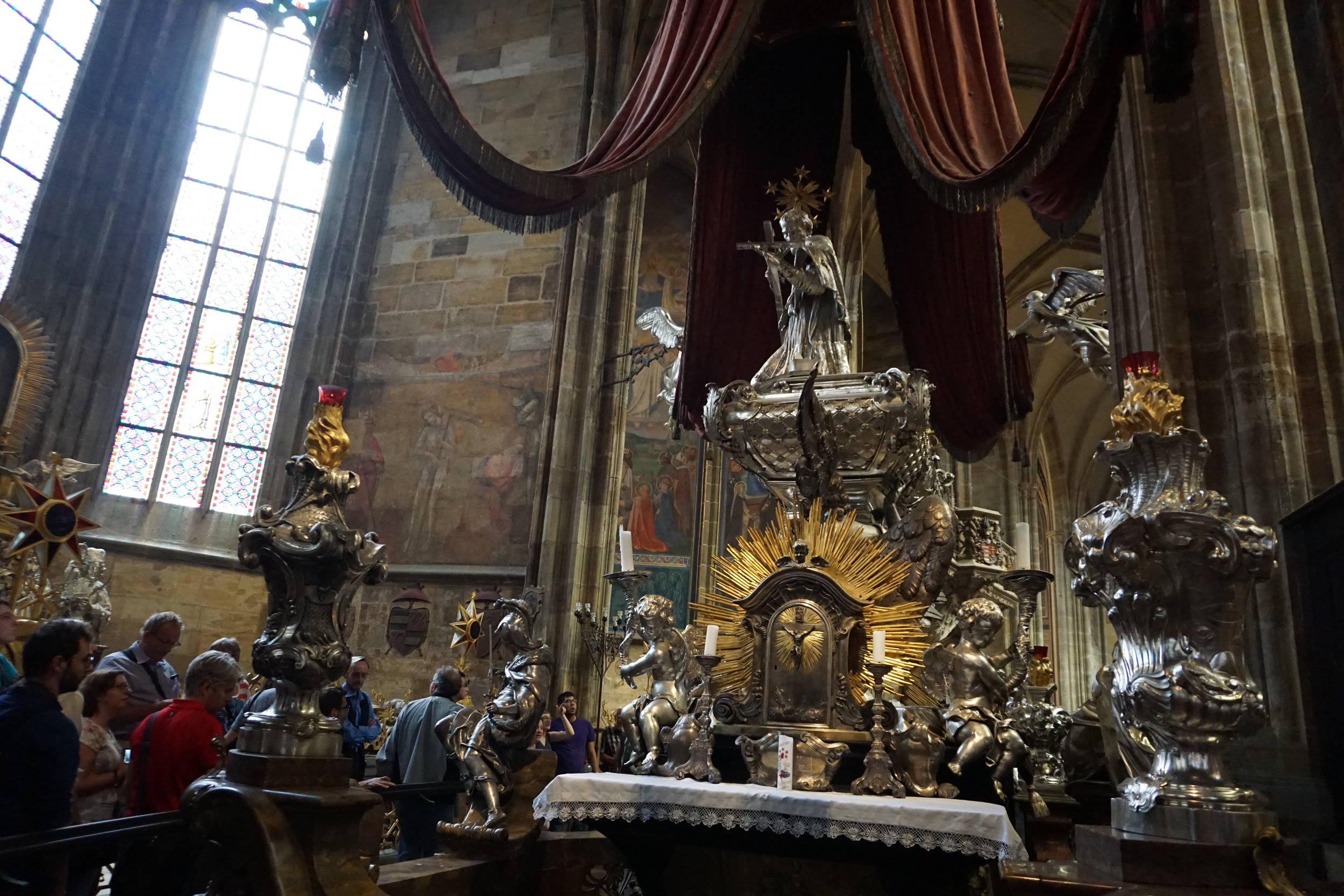 teri_Prague_HradcanyCastle_spiritedtable_photo09.jpg