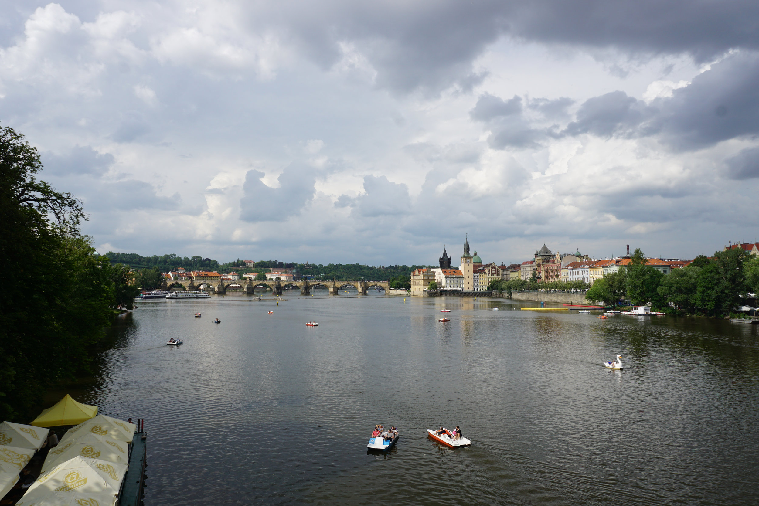 teri_Prague_HradcanyCastle_spiritedtable_photo03.jpg