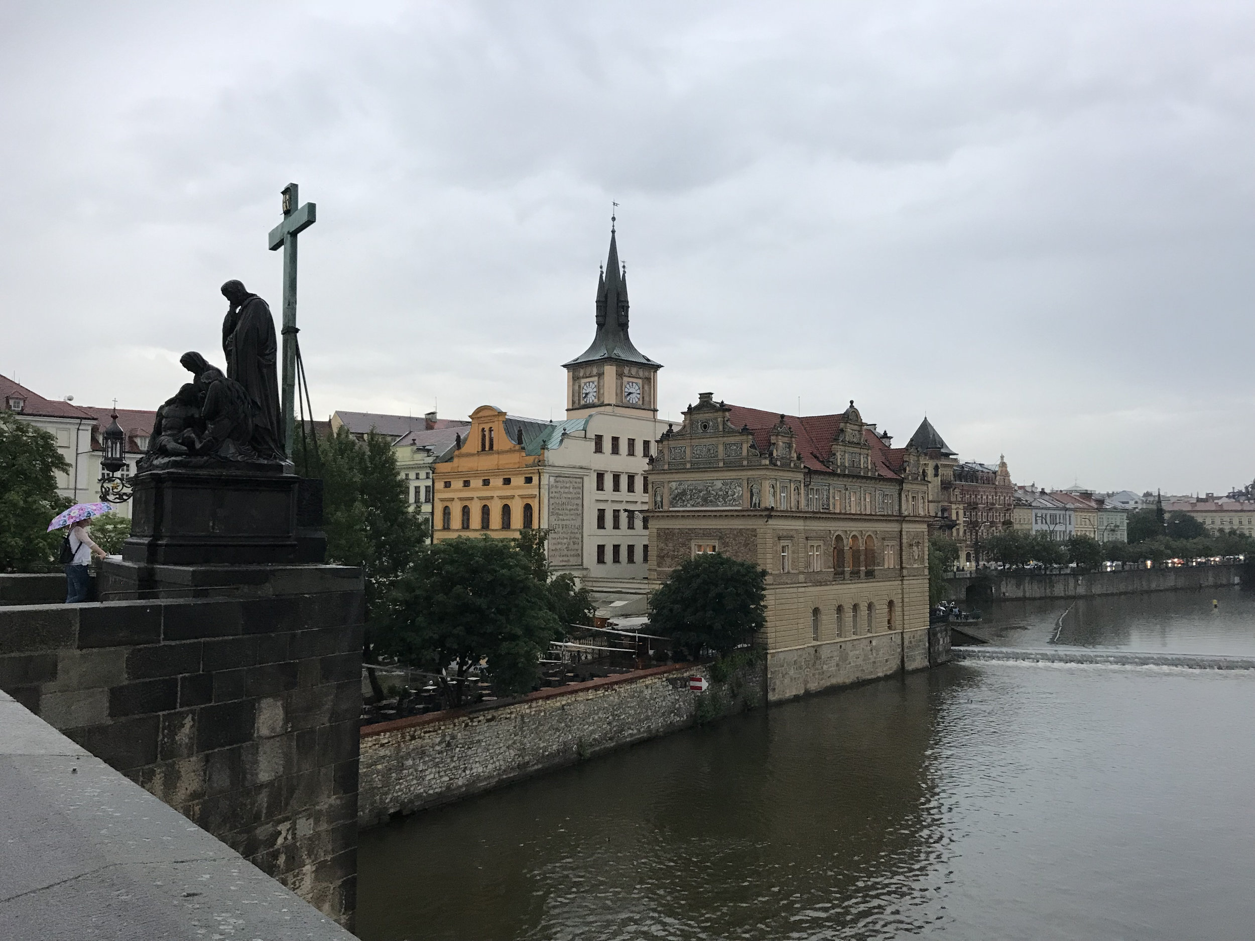teri_Prague_CharlesBridge_spiritedtable_photo21.jpg