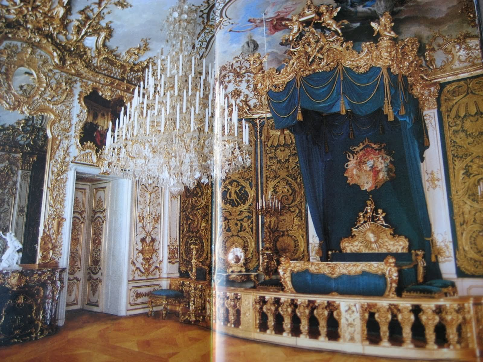 Interior-Room-Of-The-Linderhof-Palace-In-Germany.jpg