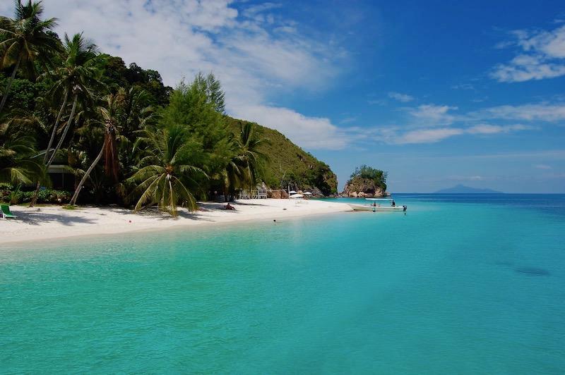 borneo-beach-1.jpg
