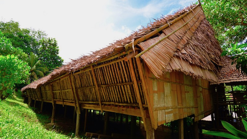 borneo-longhouse-1.jpg
