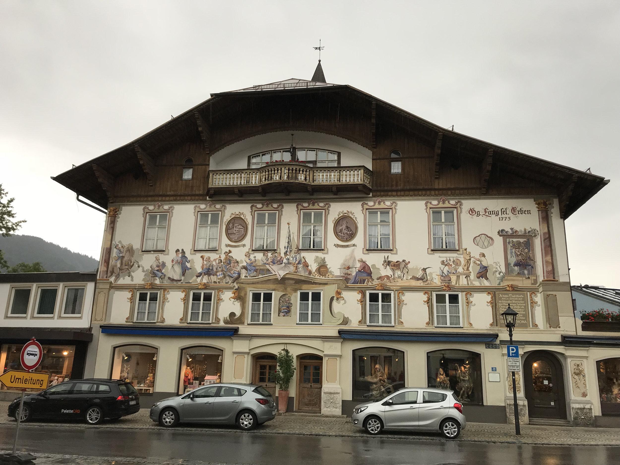 Teri_Bavaria_part3_oberannergau_spiritedtable_photo15.jpg