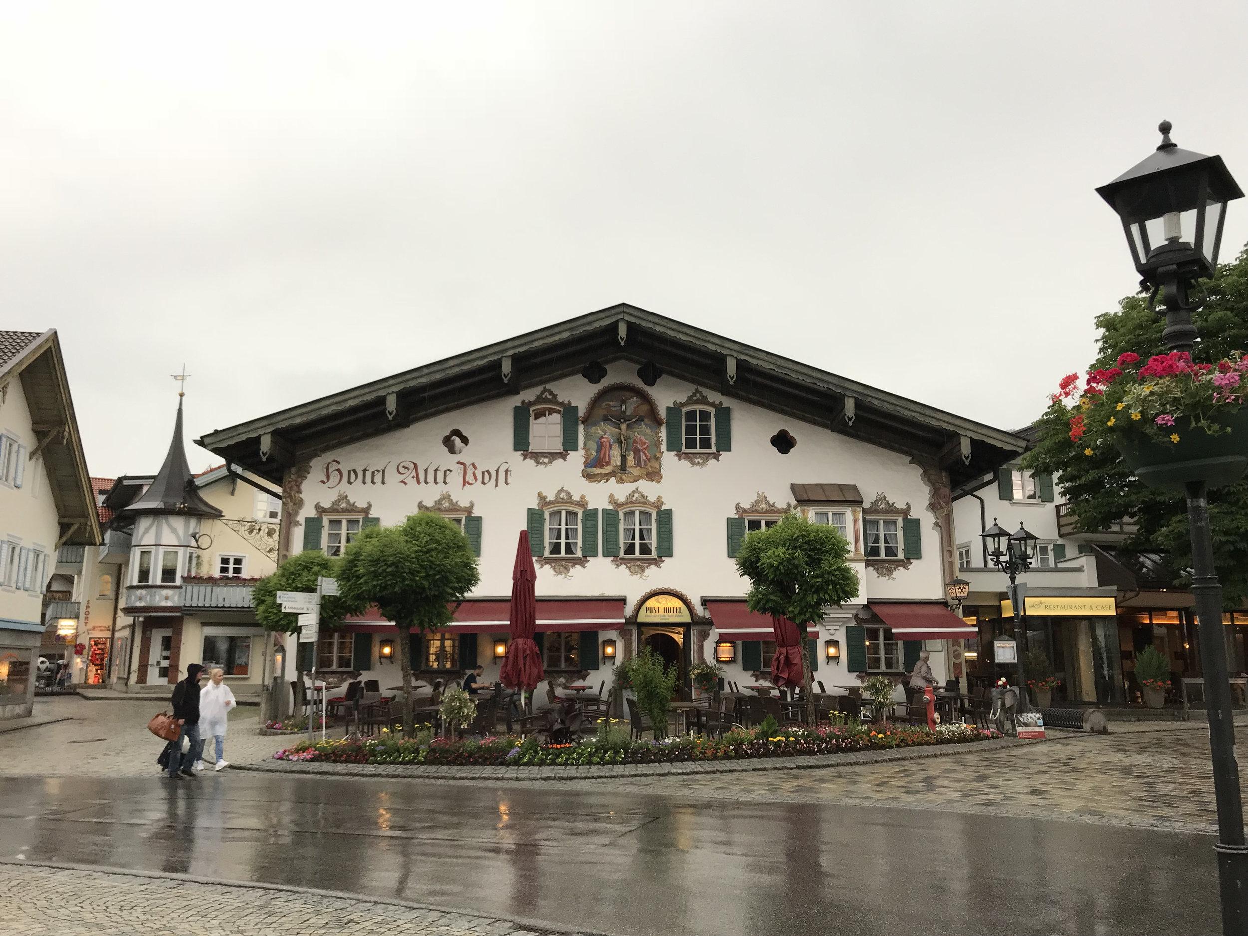 Teri_Bavaria_part3_oberammegau_spiritedtable_photo12.jpg