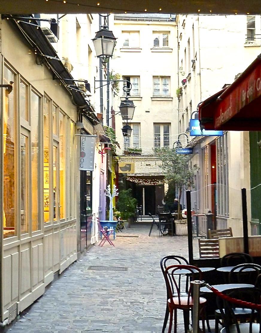 Paris_spiritedtable_photo04.jpg