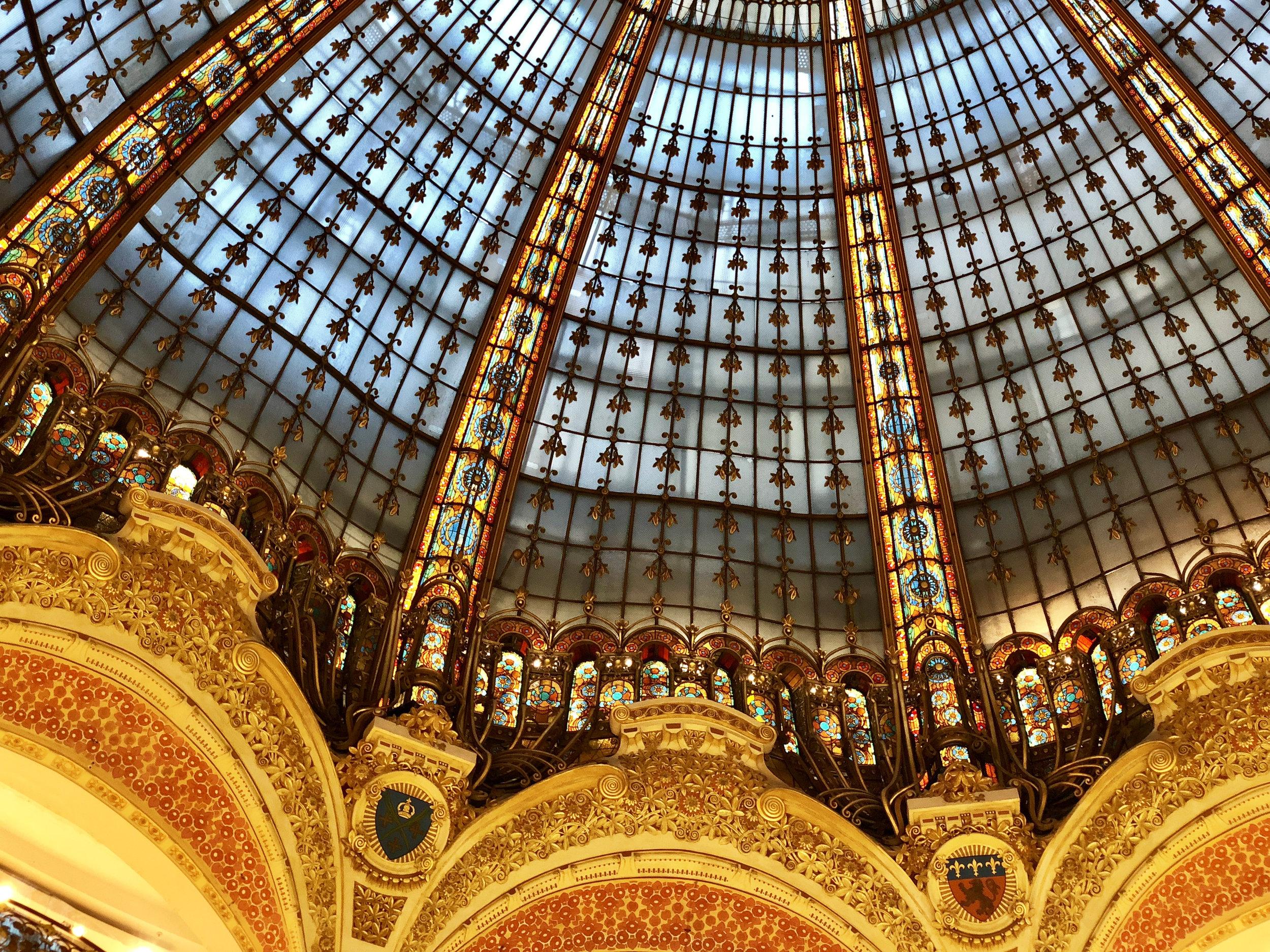 Teri_Paris_Montmarte_Halles_spiritedtable_photo03.jpg