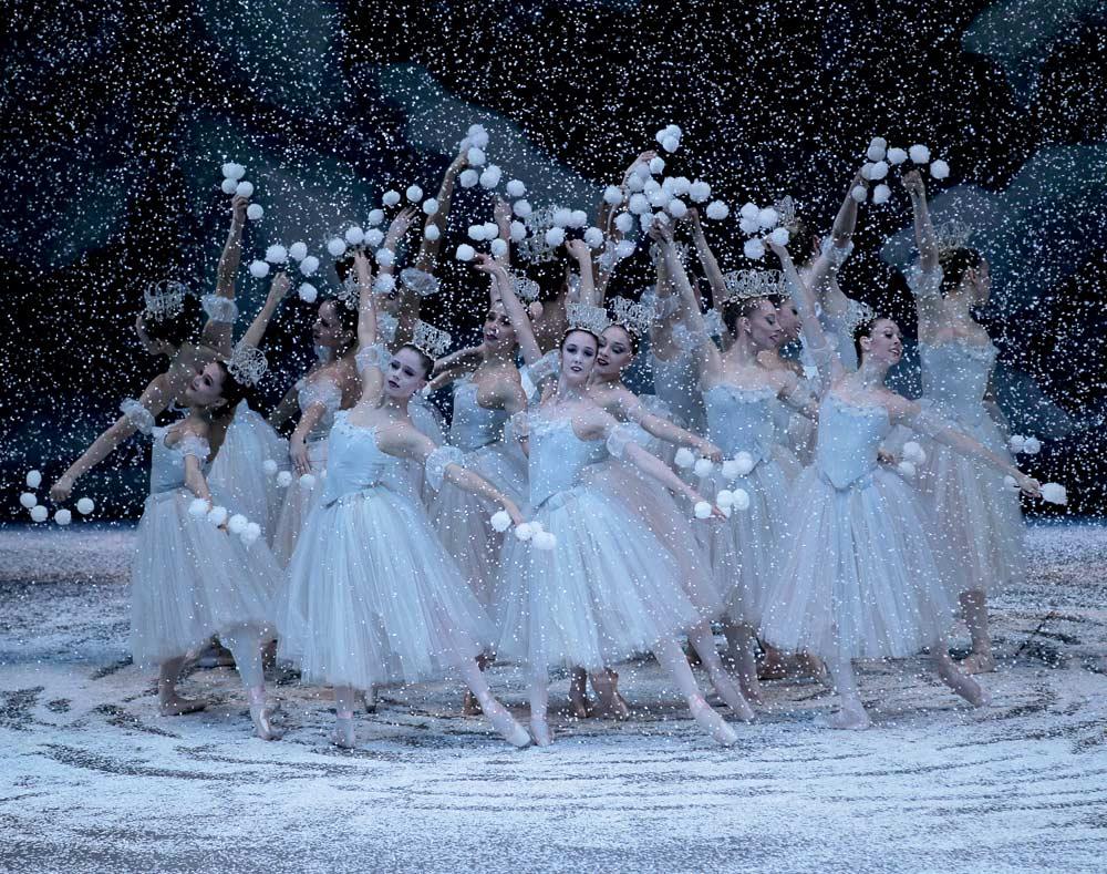pk-nutcracker-snowflakes-huddle_1000.jpg