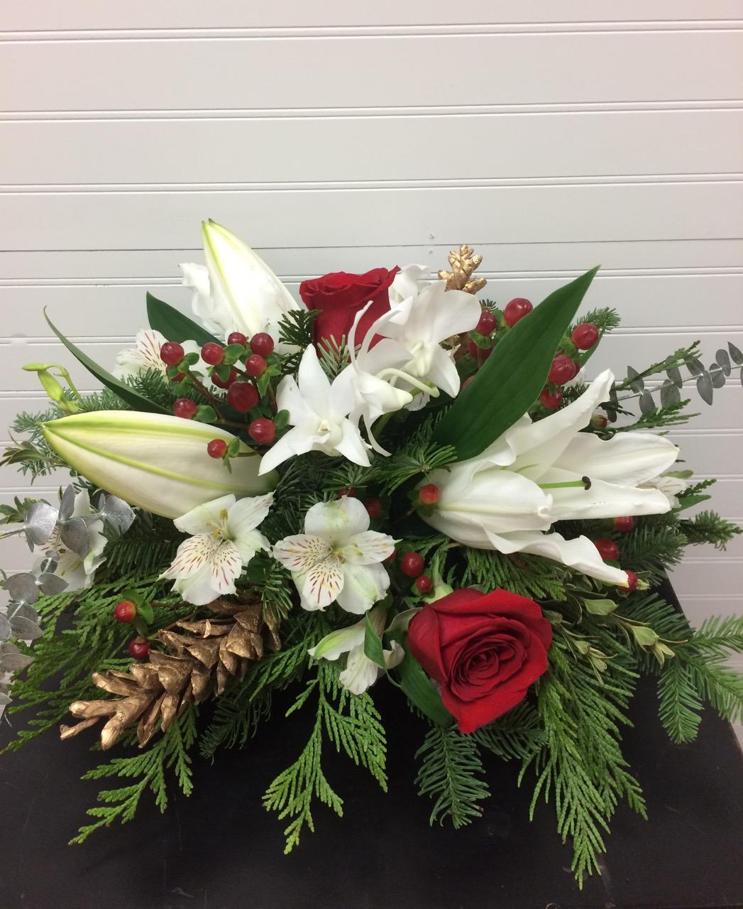 reba_Christmas_flowers_lilies_roses_spiritedtable_photo1.jpg