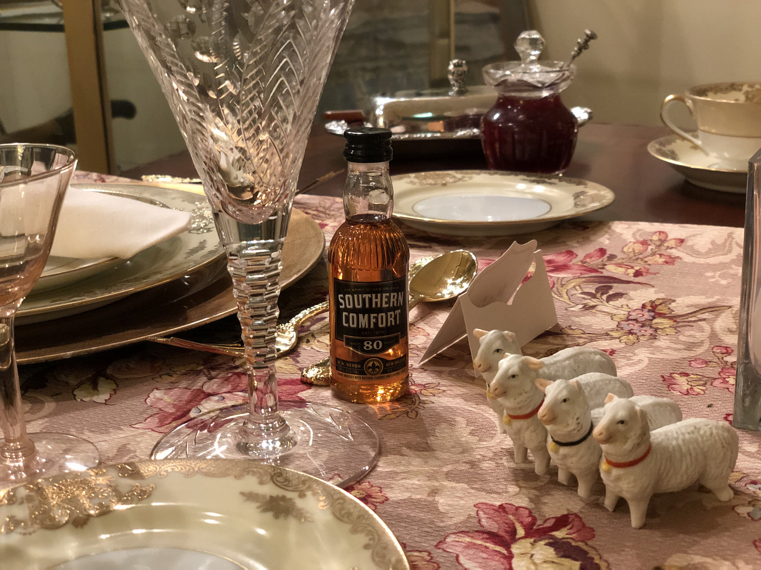 teri_whiskeyinateacup_W3BookClub_spiritedtable_photo14.jpg