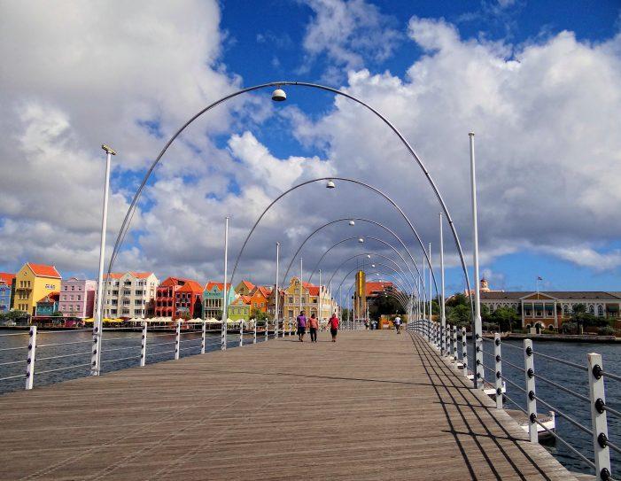 curacao-queen-emma-bridge-701x543.jpeg