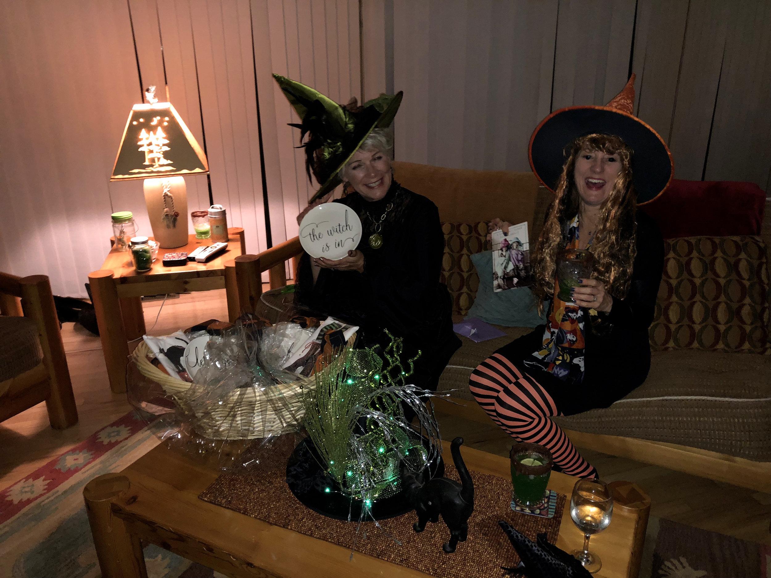 teri_w3bookclub_Wicked_halloween_spiritedtable_photo51.jpg