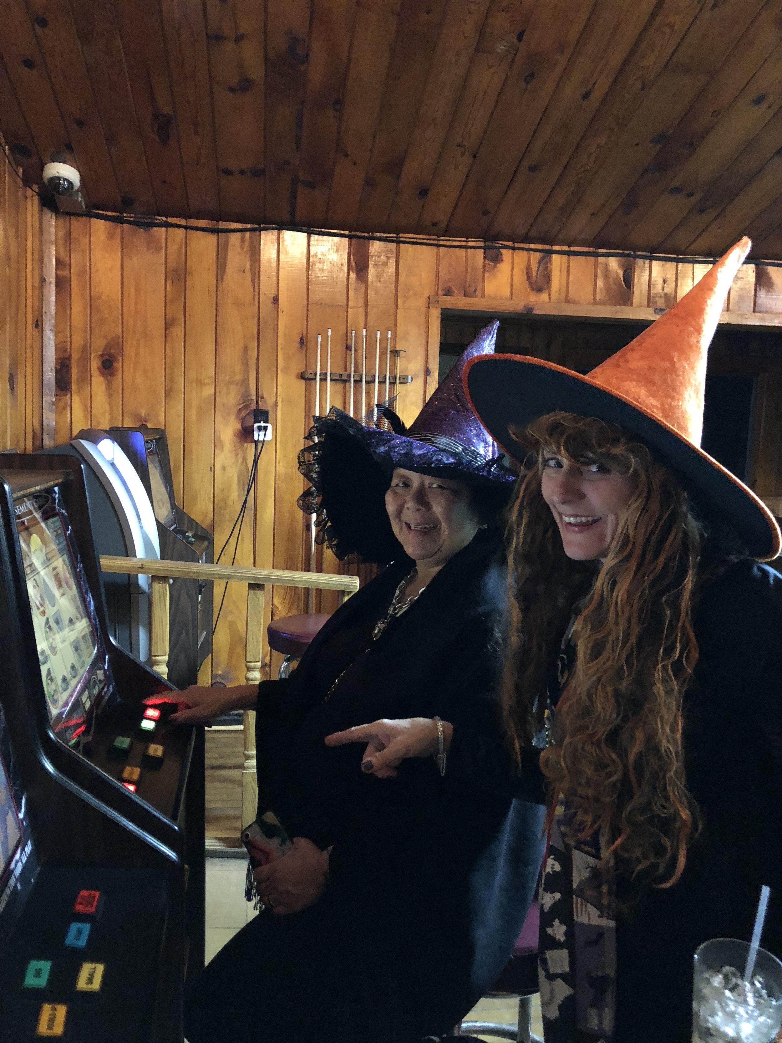 teri_w3bookclub_Wicked_halloween_spiritedtable_photo46.jpg