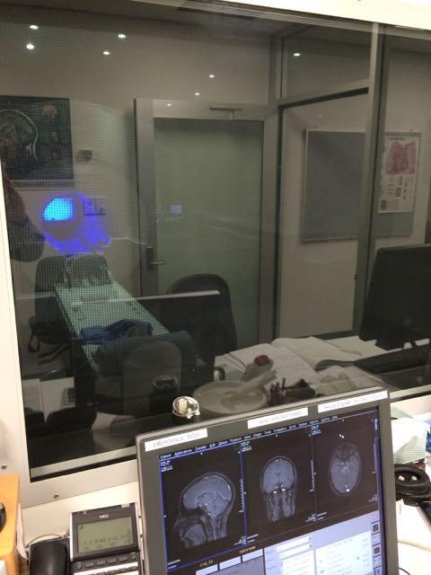 2014-11-20 - fMRI scanner.jpg