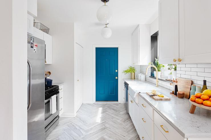 schoolhouse-electric-edgecliff-pulls-and-hex-knobs-blue-pantry-door.jpg