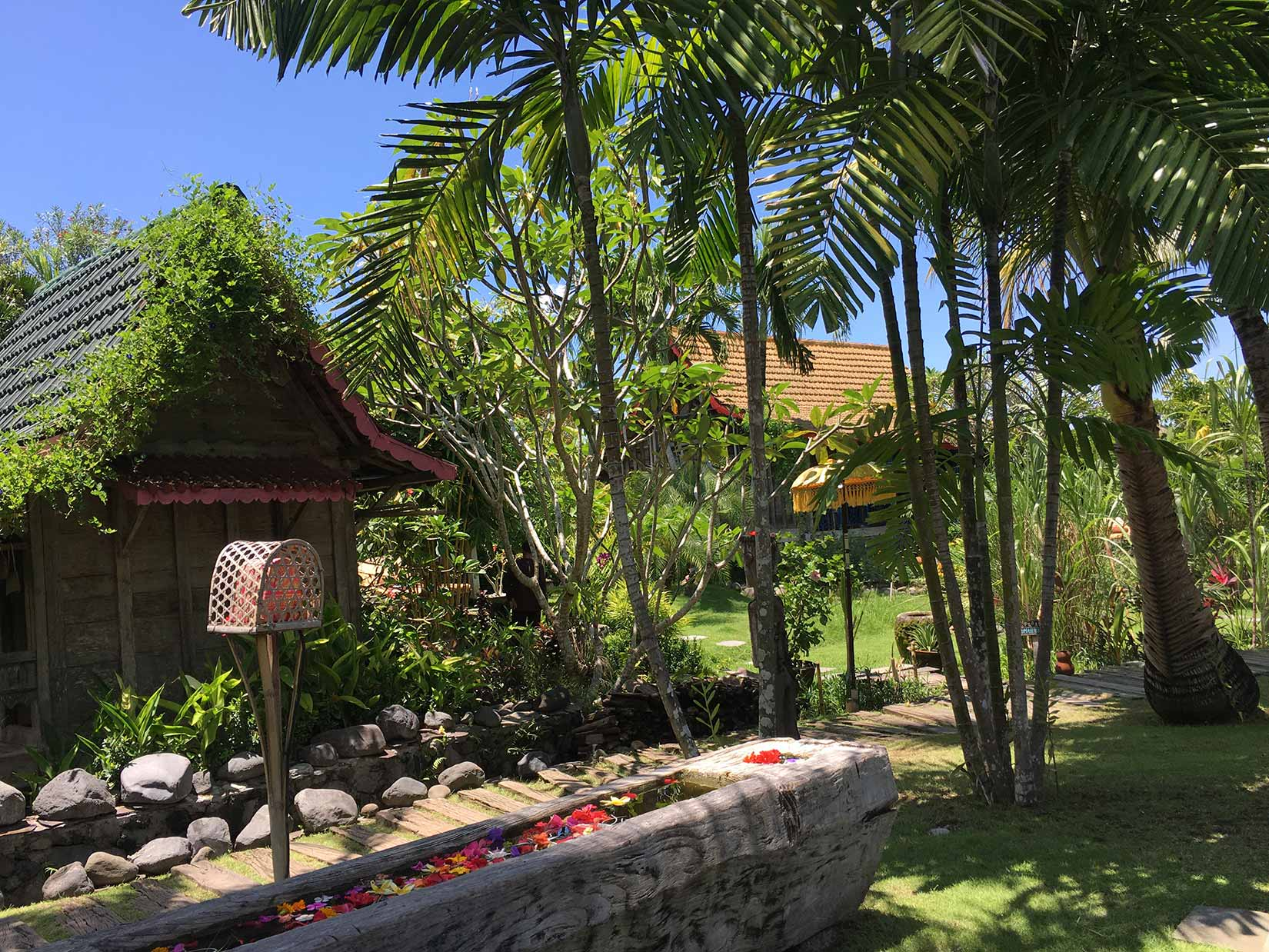 Yoga-Corner-Luxe-Retreat-Bali-2017-Desa-Seni-(Accom).jpg