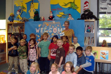 What a great welcome! A Happy Day at Hoover Elementary