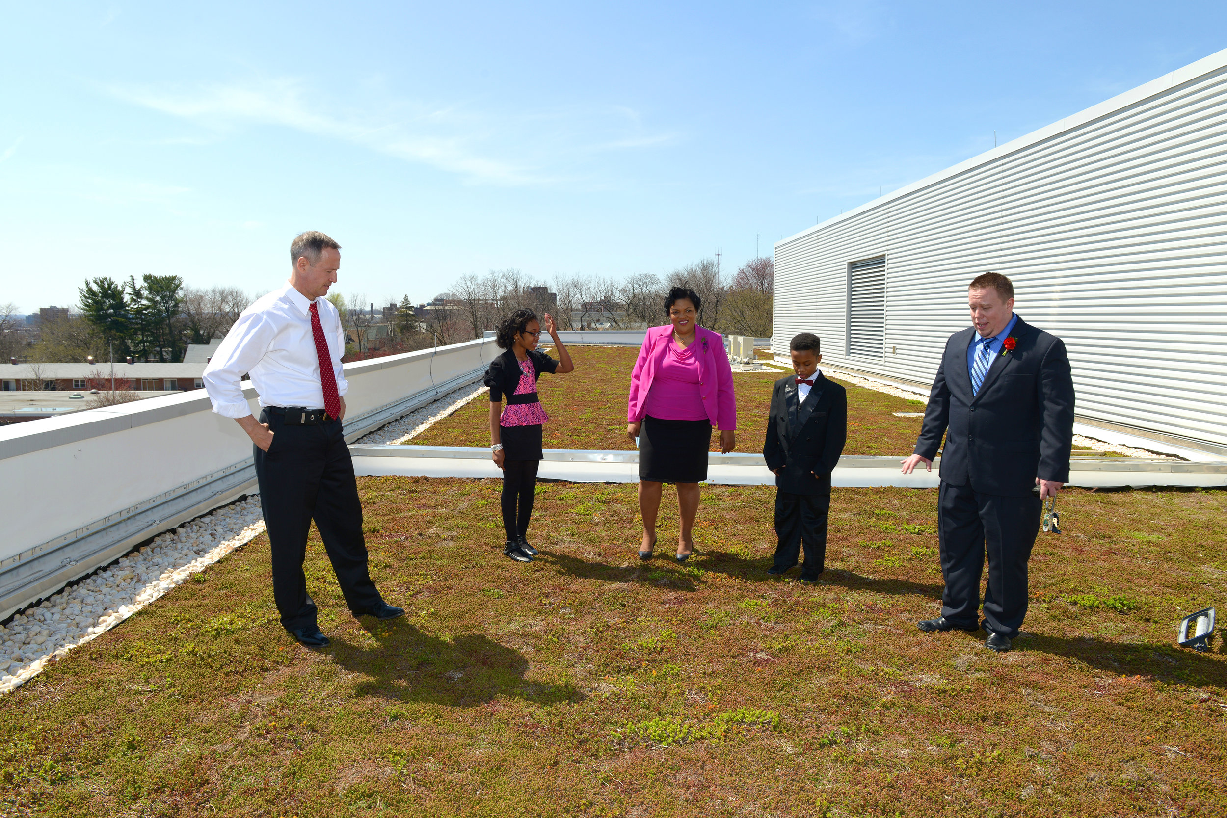 Former Maryland Governor Martin O'Malley tours a green roof in Maryland. Photo by Tom Nappi.