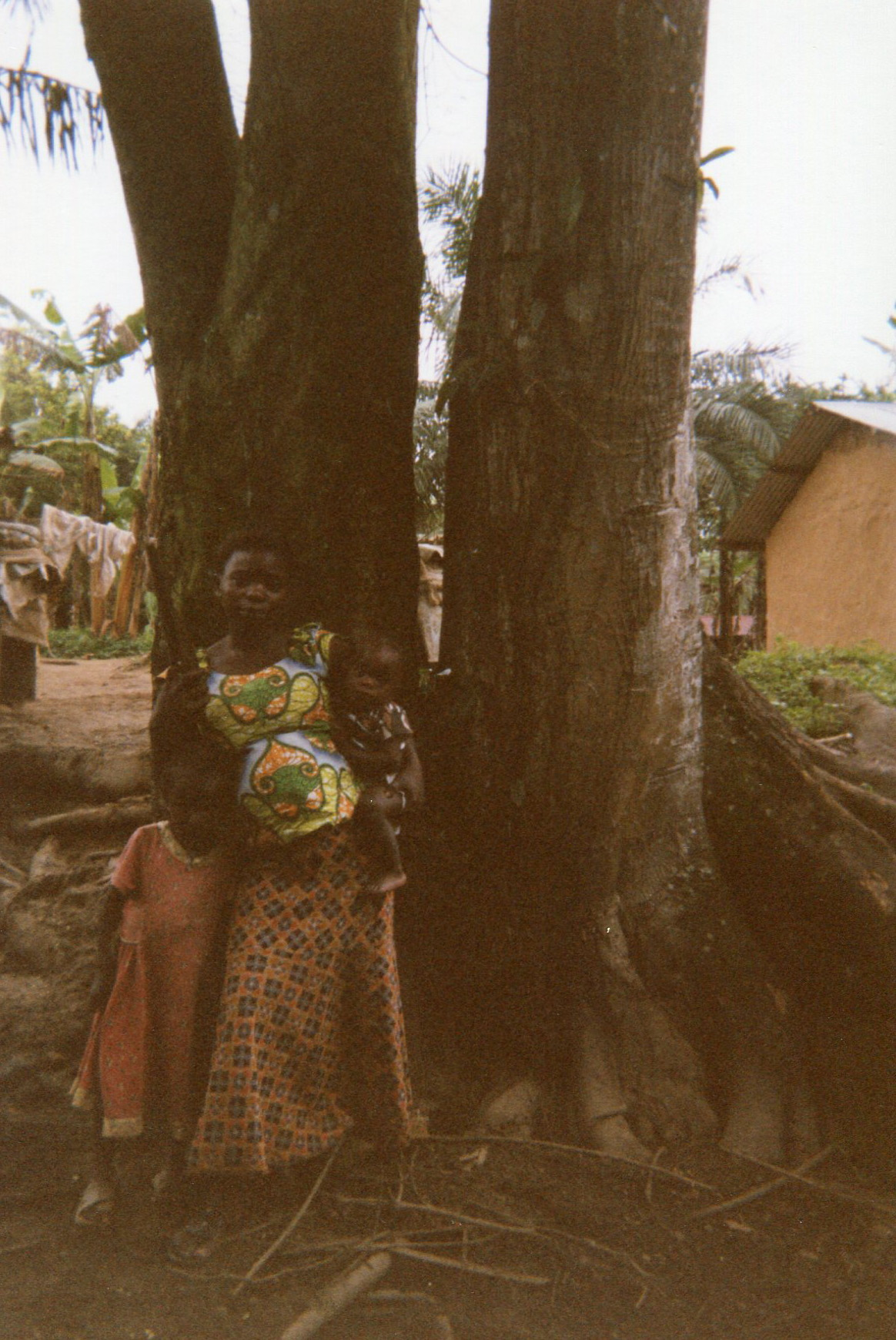 Here we are in the forest, we are fleeing from the war with the kids and being pregnant. Another night under the tree.