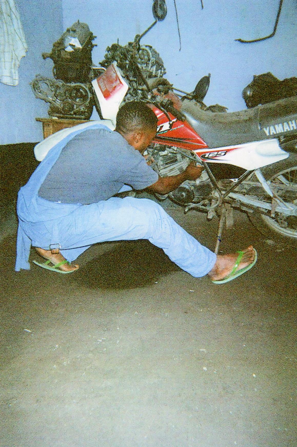 Practice session: Moto repair.