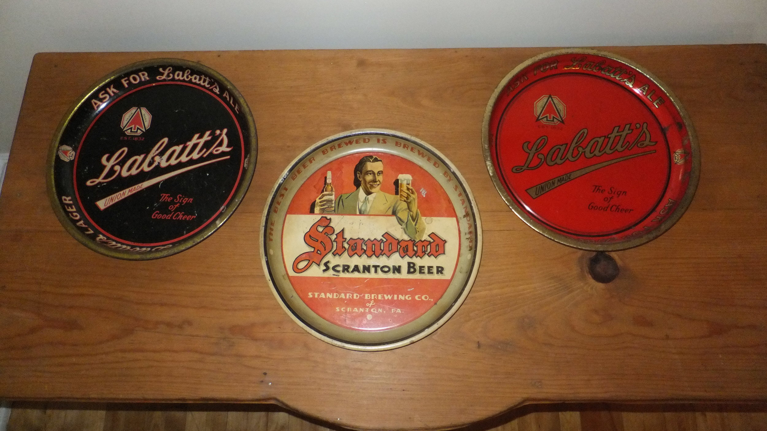 A few trays that I purchased on Ebay. The Labatt trays are from the early-1960s and the Standard tray in the middle is from the 1930s.