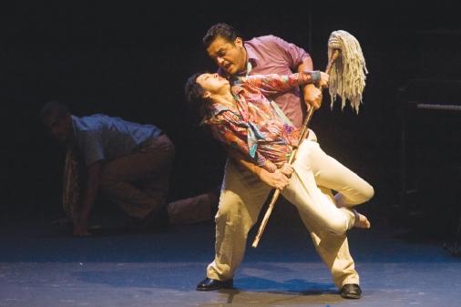 El Gallo by Teatro de Ciertos Habitantes