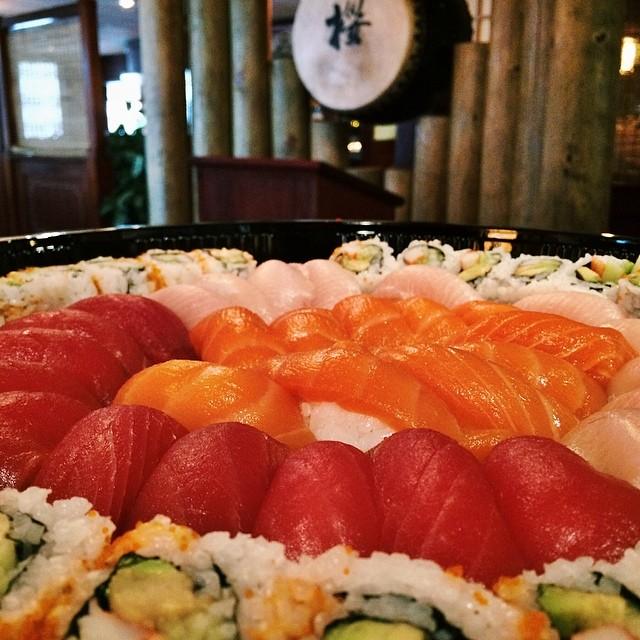 Happy Friday! Start your weekend right with hibachi and sushi!  #FishFriday #TGIF #SakuraHibachiNJ #sakura #hibachi #sushi #bobatea #parsippany #northjersey #morriscounty #nj