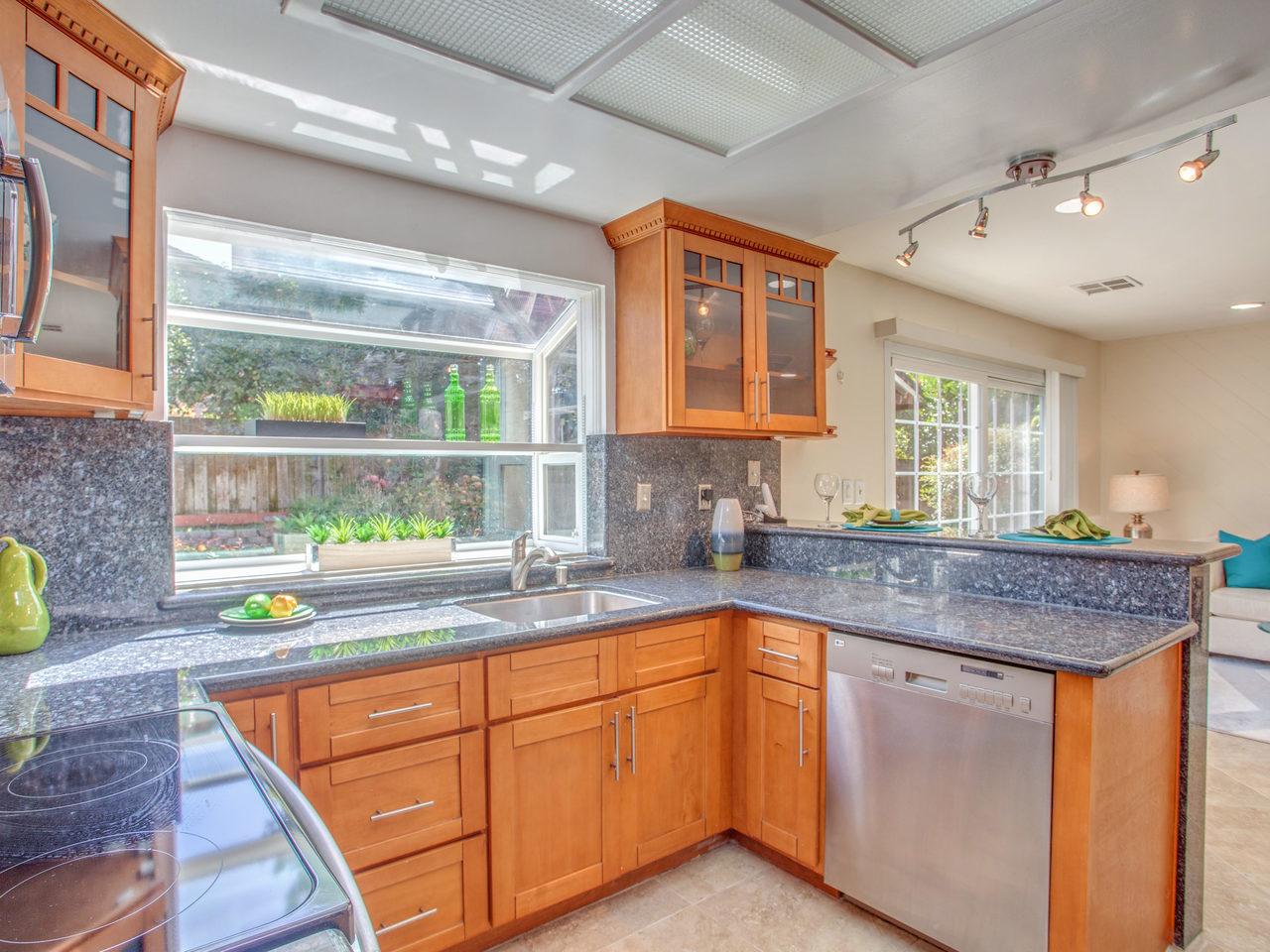 4620 Kelso St Union City CA-MLS_Size-008-9-Kitchen-1280x960-72dpi.jpg