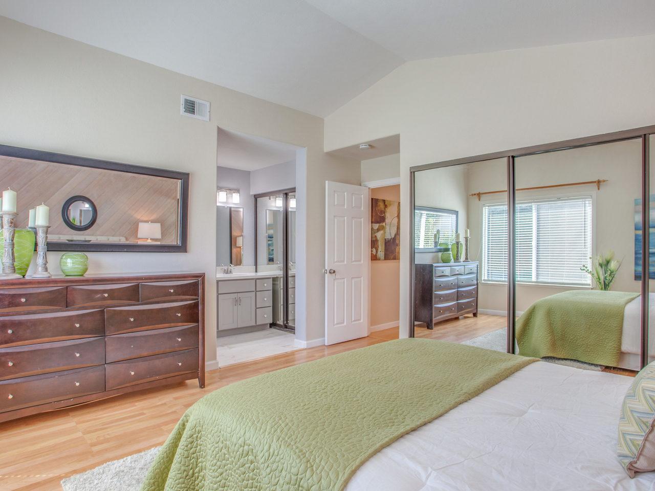 4620 Kelso St Union City CA-MLS_Size-017-18-Master Bedroom-1280x960-72dpi.jpg
