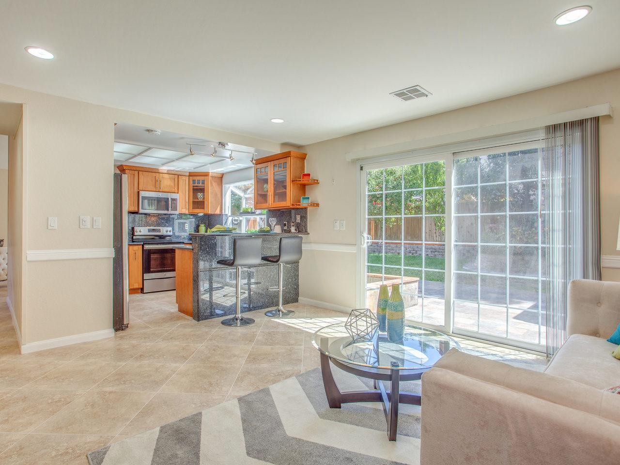 4620 Kelso St Union City CA-MLS_Size-013-1-Family Room-1280x960-72dpi.jpg