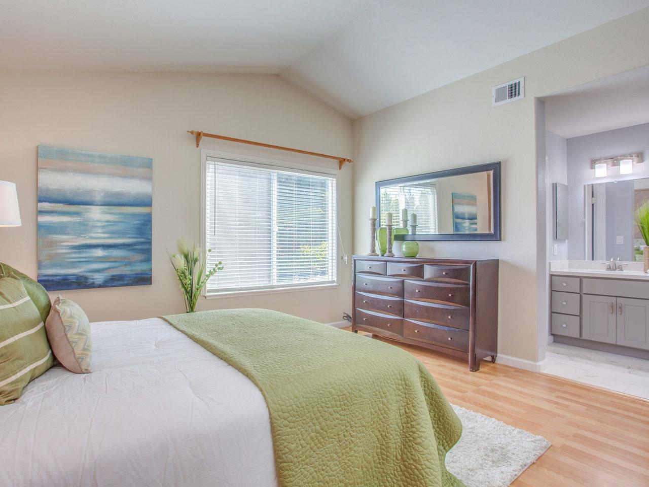 4620 Kelso St Union City CA-MLS_Size-016-7-Master Bedroom-1280x960-72dpi.jpg