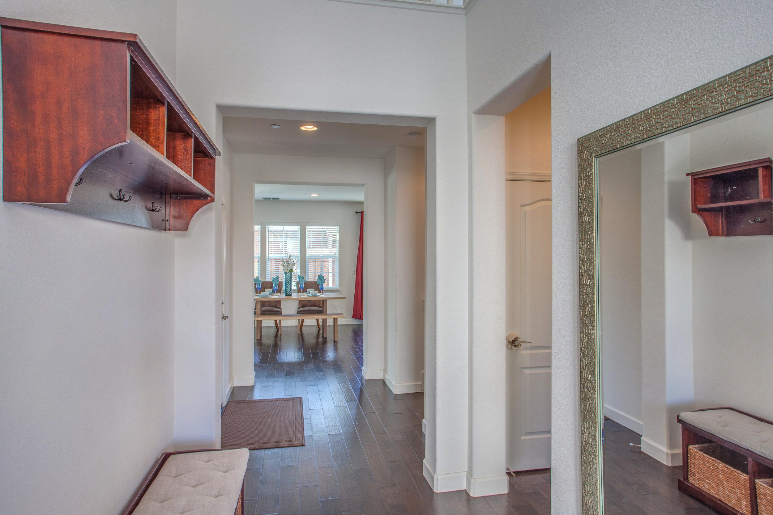 1504 Hayden St Hayward CA-print-003-1-Foyer-4200x2800-300dpi.jpg
