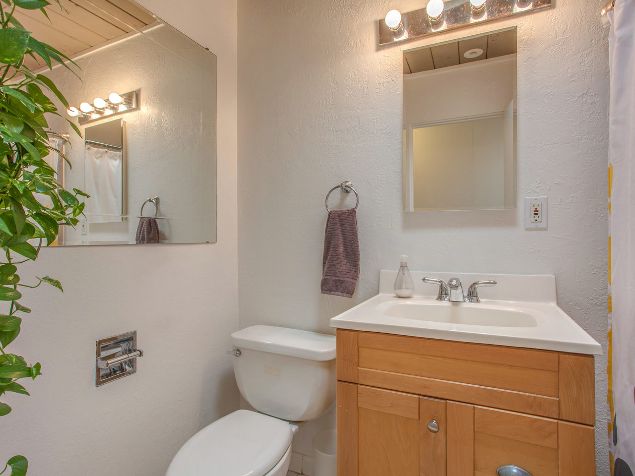 4026 Salem St Concord CA 94521-MLS_Size-026-25-Full Bathroom-1280x960-72dpi.jpg