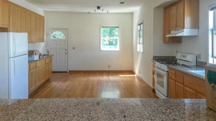2026+San+Antonio+Ave-large-014-27-huge+kitchen-1500x844-72dpi.jpg