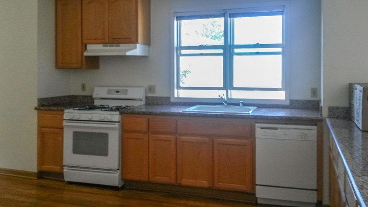 2026+San+Antonio+Ave-large-020-28-granite+countertops-1500x844-72dpi.jpg