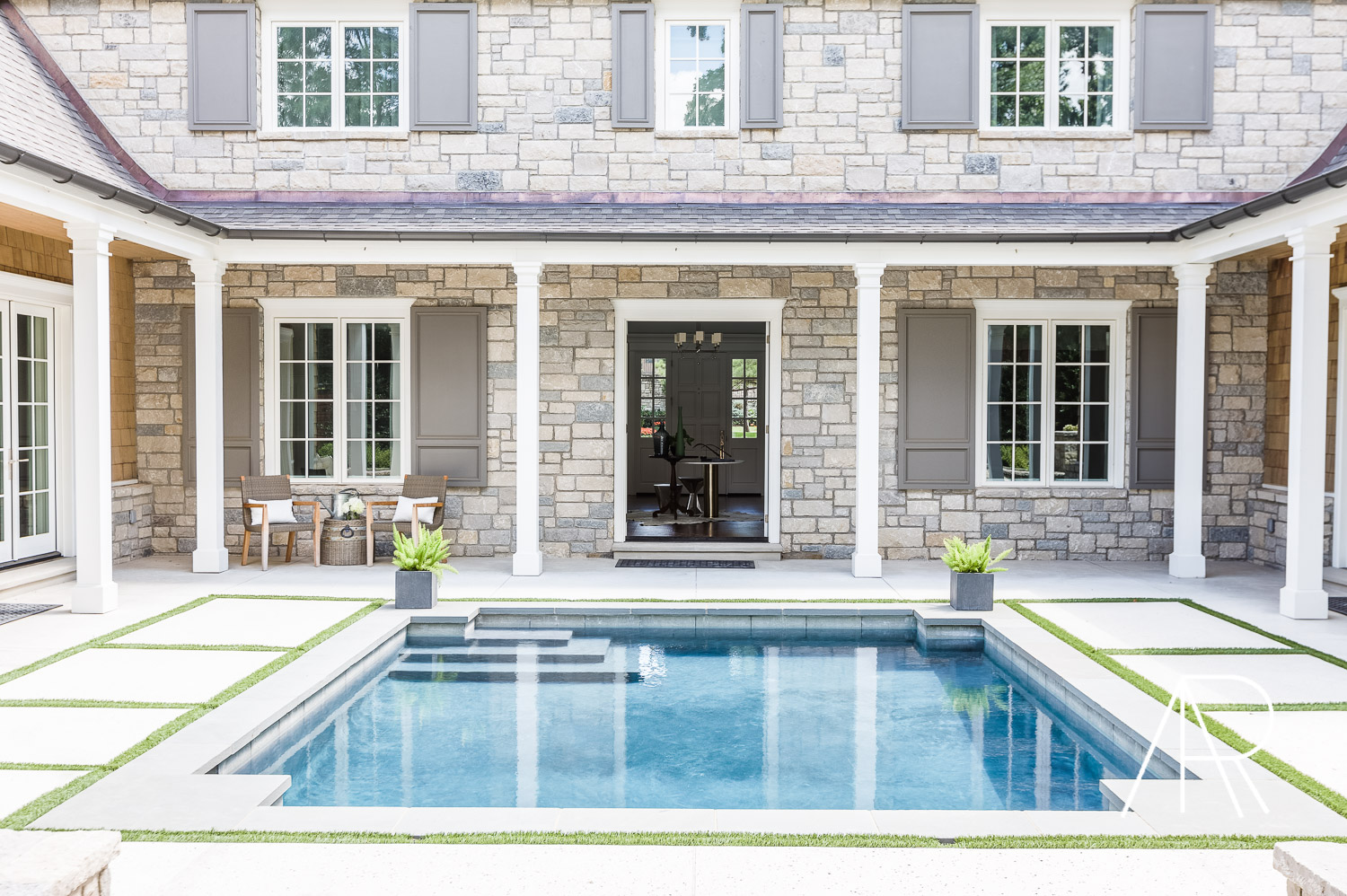 ©AlyssaRosenheck2015 The Most Charming Home in Tulsa Designed By Austin Bean featured in Elle Decor