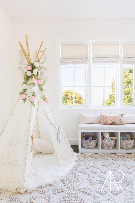 ©AlyssaRosenheck2016 with Style Me Pretty Living Design Amanda Barnes Interiors