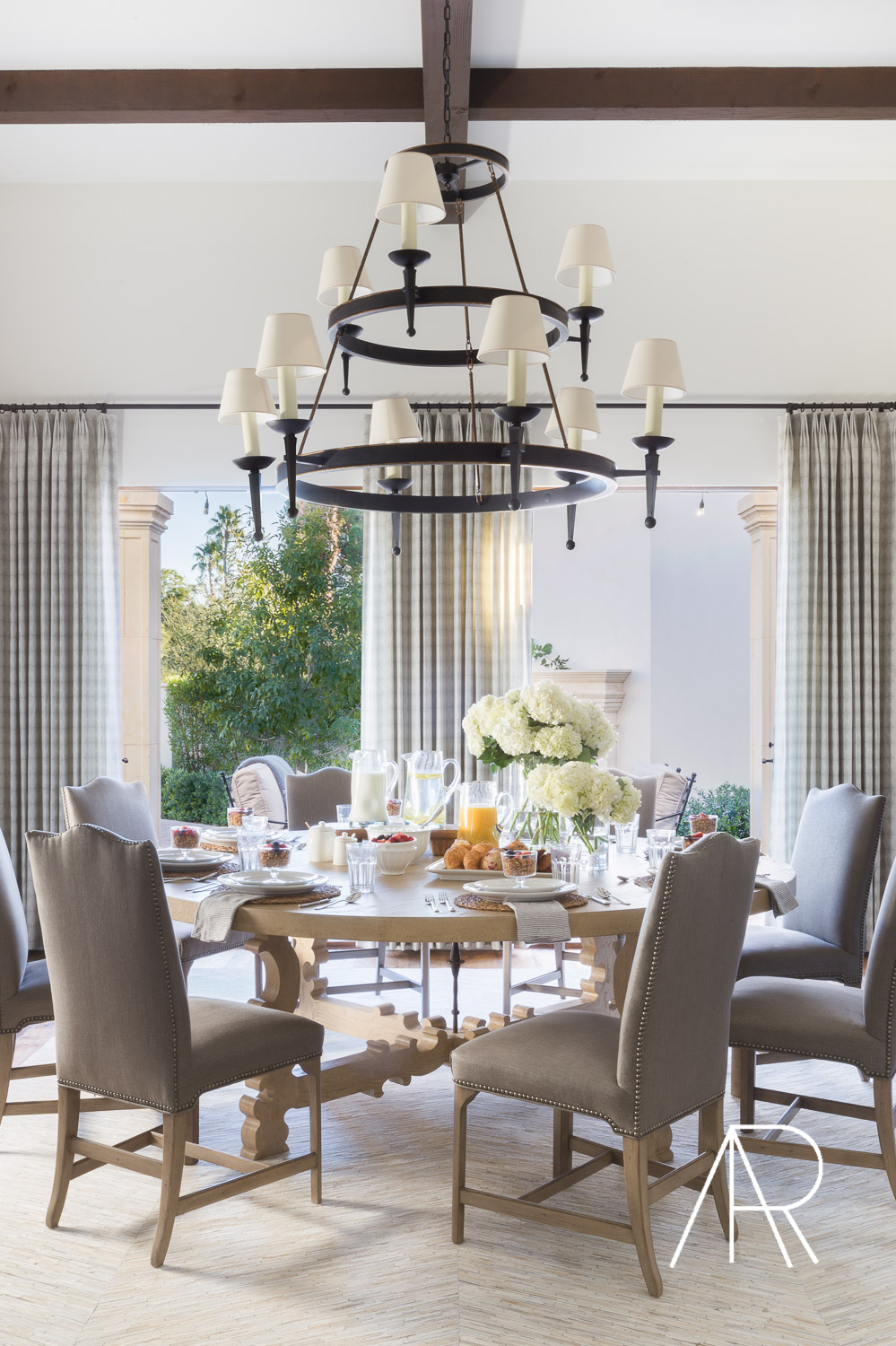 ©AlyssaRosenheck Scottsdale AZ Dining Room with Mydomaine and Bria Hammel Interiors