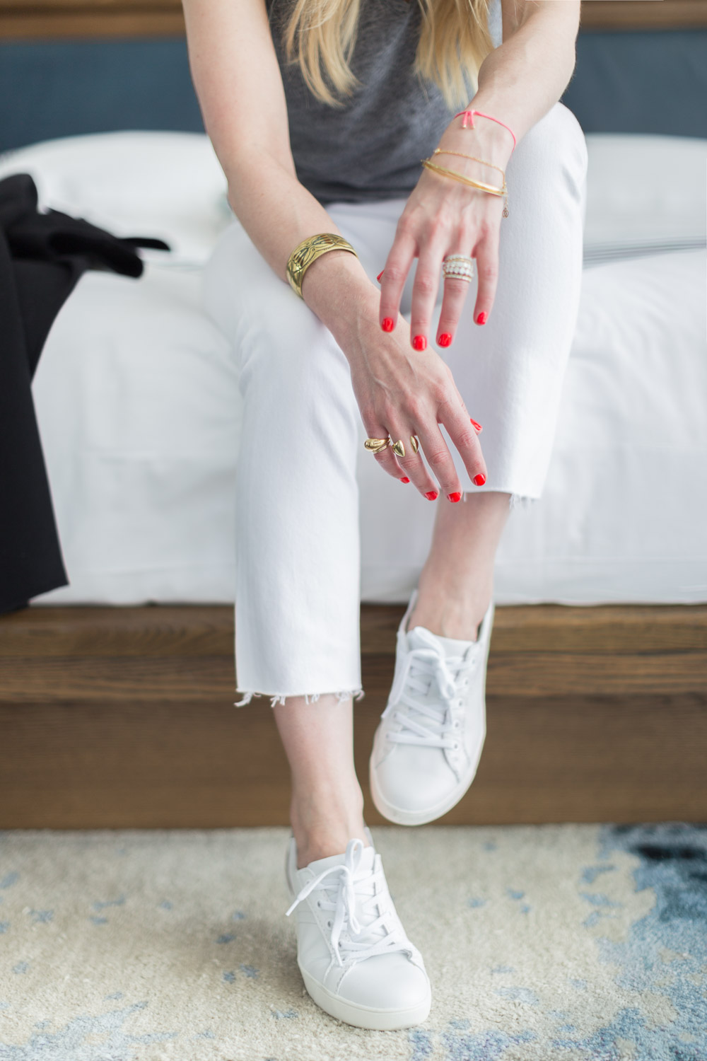 Alyssa Rosenheck The New Southern with Naturalizer - Speaker, Photographer, Cancer Survivor, lifestyle expert National Campaign in Nashville TN - Fall Travel Look  - White Jeans