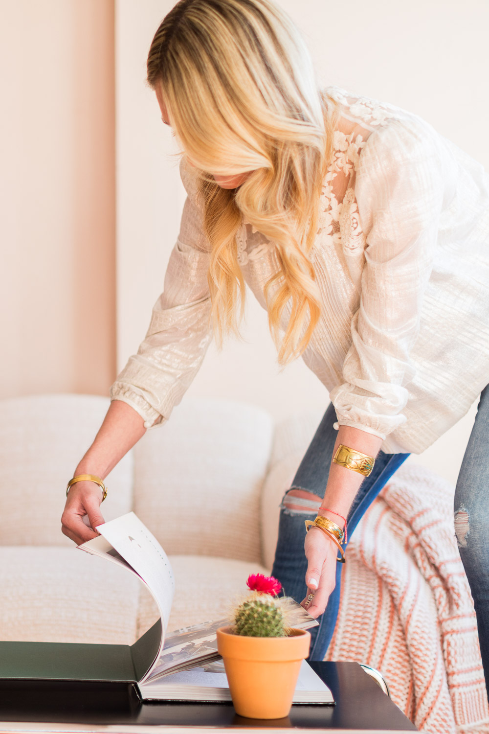 US News and World Report with Alyssa Rosenheck affordable Styling Tips for your Living Room - Alyssa Rosenheck Photographer and Lifestyle Expert