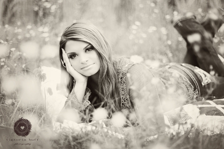 Meredith-Barbrick-Athens-Oconee-Georgia-Senior-Portraits-North-Oconee-High-School-Flowers-Photography.jpg