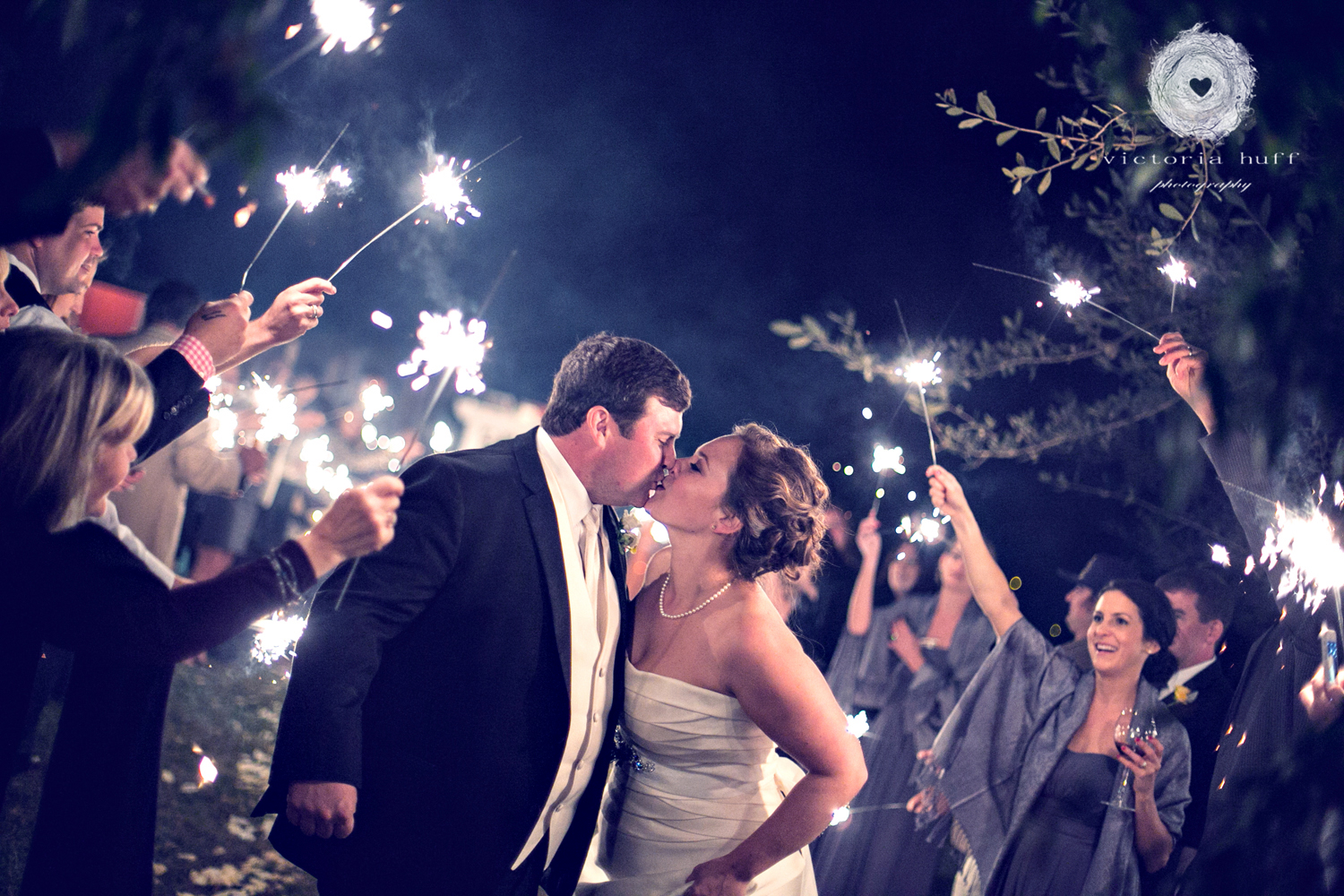 Wedding-Photography-Emily-Phillips-The-Corry-House-Union-Point-Georgia-Vintage-Wedding-sparklers-6.jpg