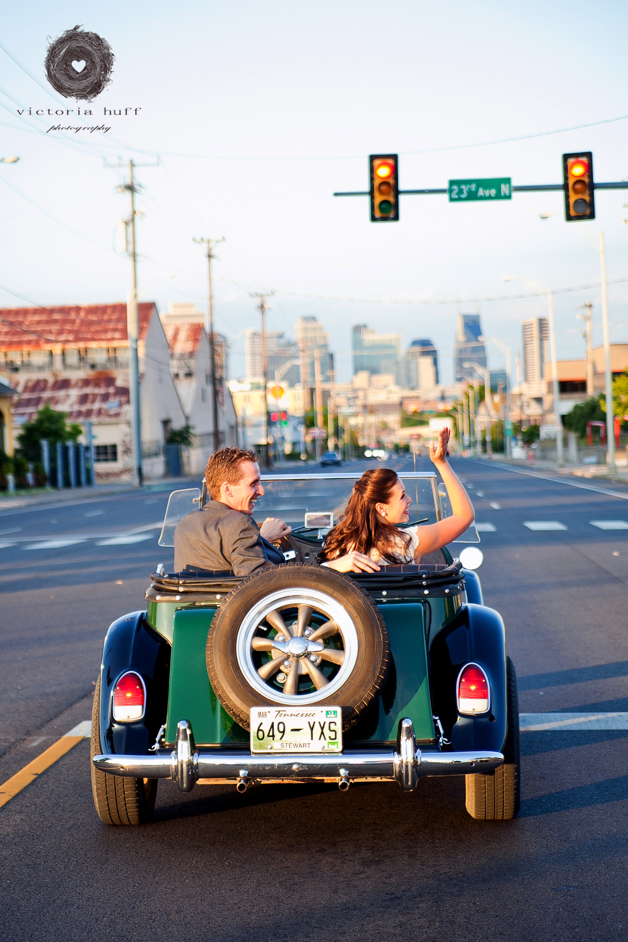Wedding-Photography-Lindsay-Collins-Jason-Baggett-Wedding-Centennial-Park-Nashville-Tennessee-Hotel-Indigo-Vintage-727.jpg