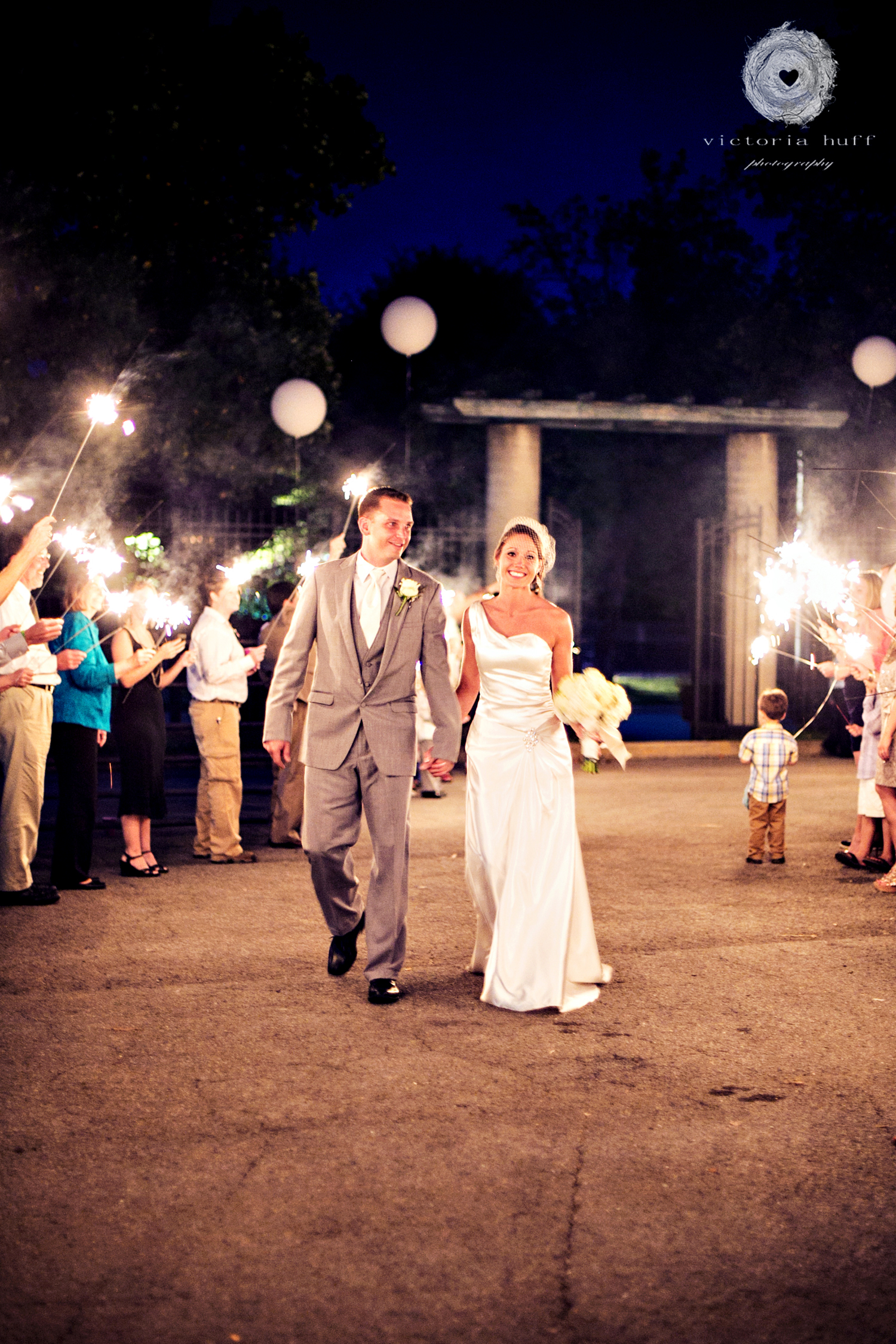 Wedding-Photography-Meagan-Kerske-Reynolds-Nashville-Tennessee-Centennial-Park-Gardens-of-Babylon-Wedding-sparklers.jpg
