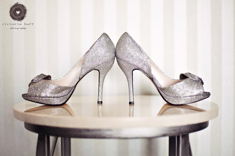 Wedding-Photography-Rachel-Sloane-North-Carolina-Beach-Wedding-shoes-pier.jpg
