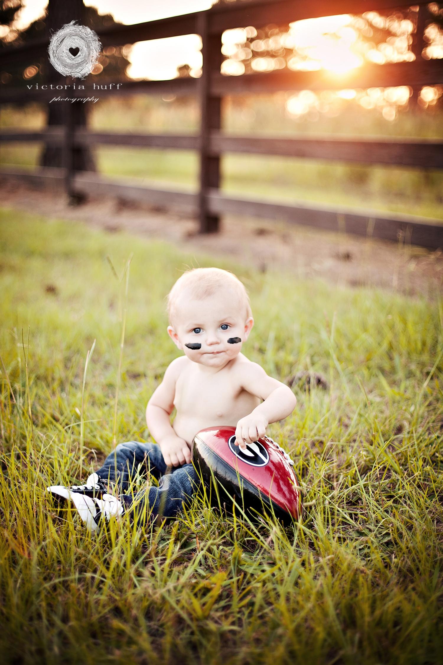 Brayson-Athens-Georgia-toddler-footbal-UGA-baby-photography-4.jpg