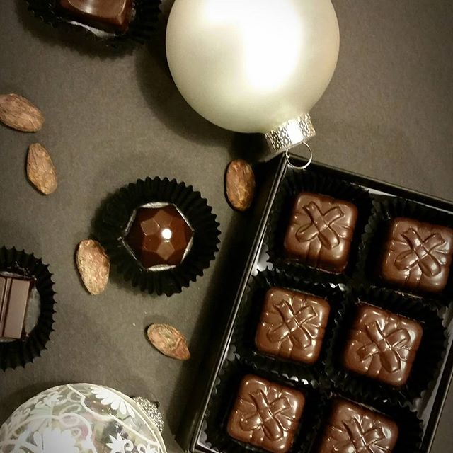 Don't forget to pick up your truffles #specialsomeone. These hazelnut praline truffles won't last! #supportlocal #supportpdx #shoppdx #christmas #decadentjoy