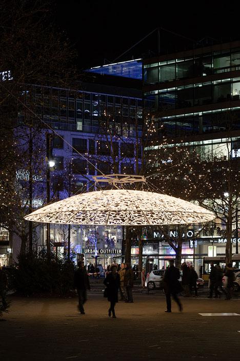 Christmas-Lights-Berlin-by-Brut-Deluxe_dezeen_19.jpg