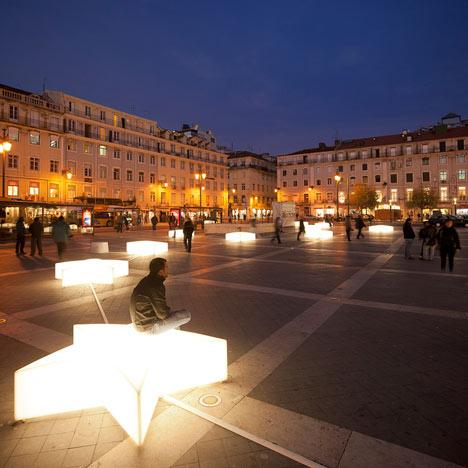dezeen_Lisbon-Christmas-Lights-by-Pedro-Sottomayor-José-Adrião-and-ADOC-1.jpg