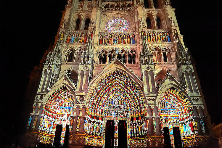 PWP88470-237-Amiens-Cathedral-Light-Show.jpg